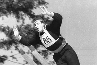 Helmut Recknagel beim Skispringen
