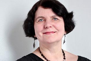 Portrait von Regina Scheer